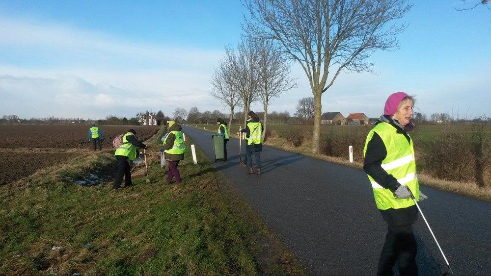 Grote Ontfermbermdag (Big Roadside Care Day)