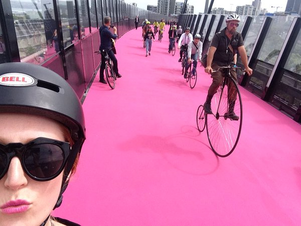 Matching your lippy to the Auckland Lightpath ? Priceless.