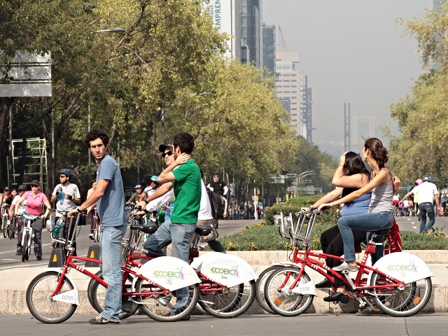 Ecobici in action - check out the smog in the background