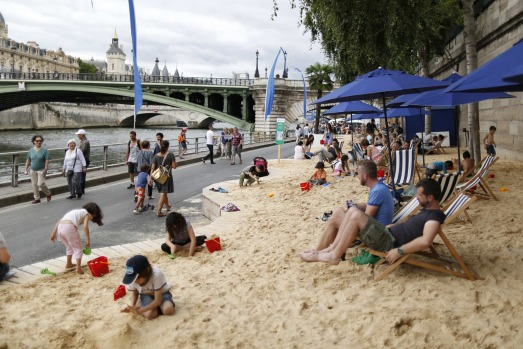 Artificial beaches created after the left bank was reclaimed permanently from vehicular traffic.