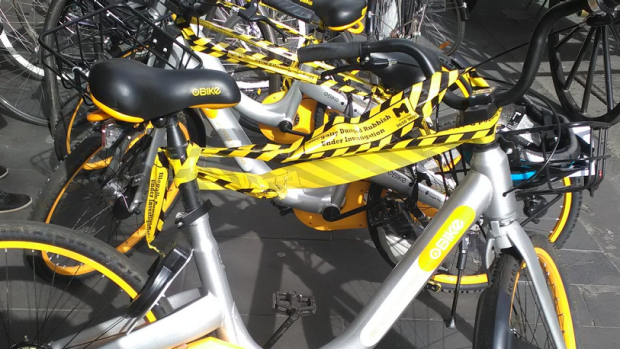 oBikes declare themselves an impediment and hand themselves into Melbourne Council for impounding
