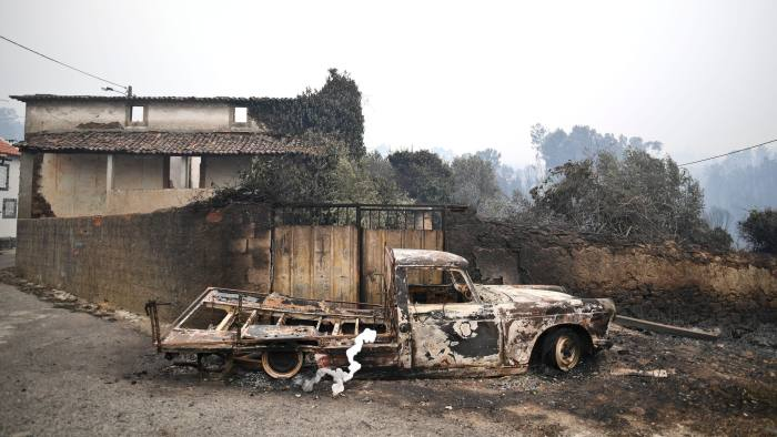 © AFP from article Forest fires expose Lisbon's neglect of rural interior i Finanxial TImes. https://www.ft.com/content/54fa495c-8bdc-11e7-a352-e46f43c5825d?mhq5j=e5