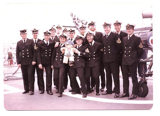 2L PO'S MESS June 1977