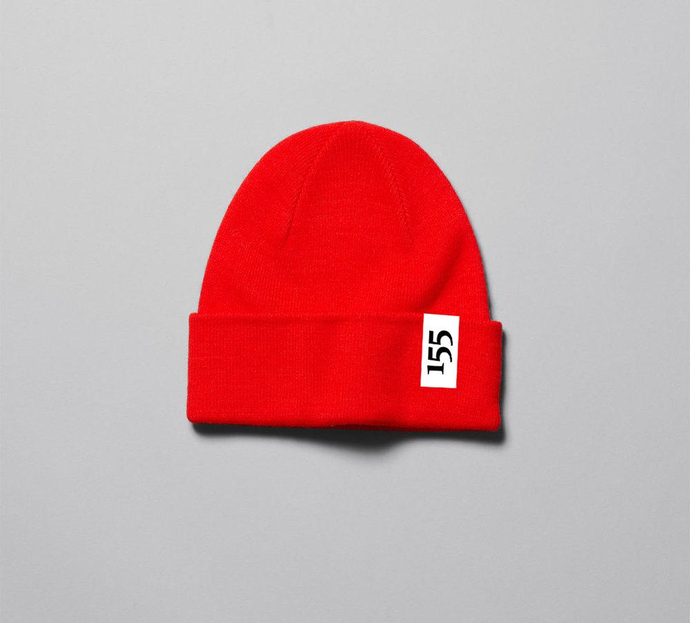 155 Muts rood of zwart  €11,55