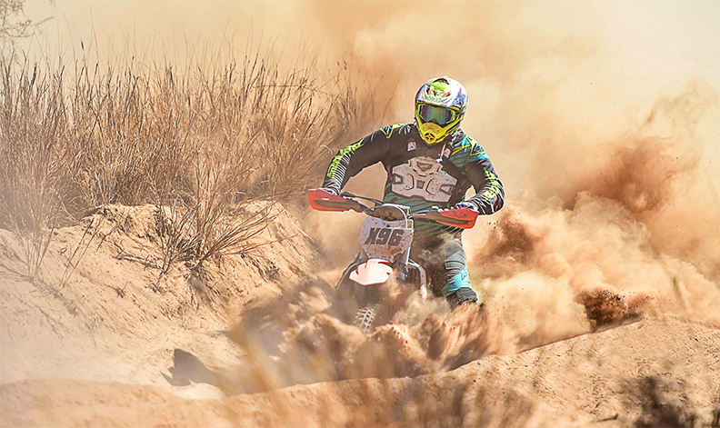 Soft, powdery dust known as 'bulldust' is a common hazard on the Finke course. Nikki Westover image.