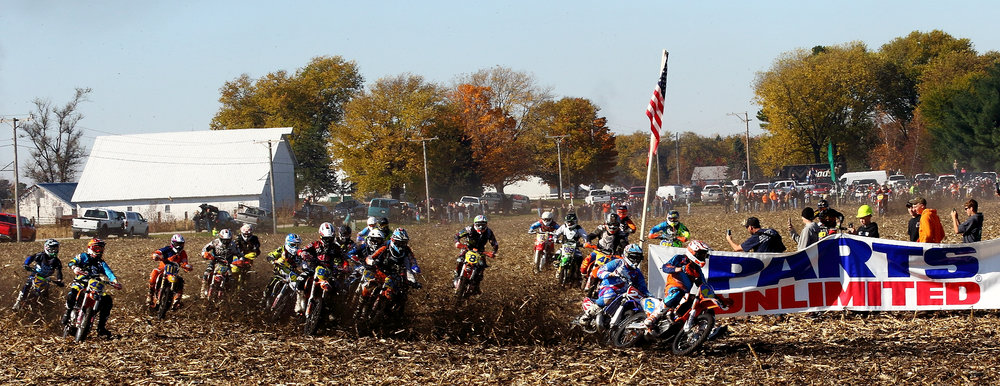 Jimmy Jarrett captures the cornfield holeshot. Photo: John Gasso.