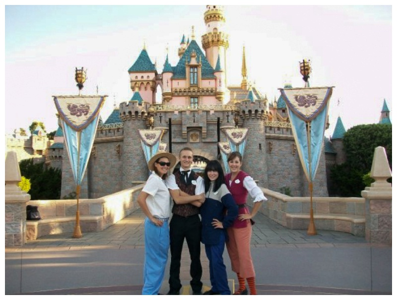 Kate-Alison-Photography-Disneyland-Photopass-Cast-Member_0002.jpg