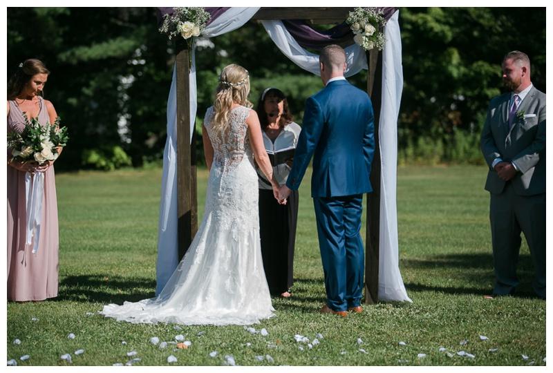 Kate-Alison-Photography-New-Hampshire-Barn-Wedding_0011.jpg