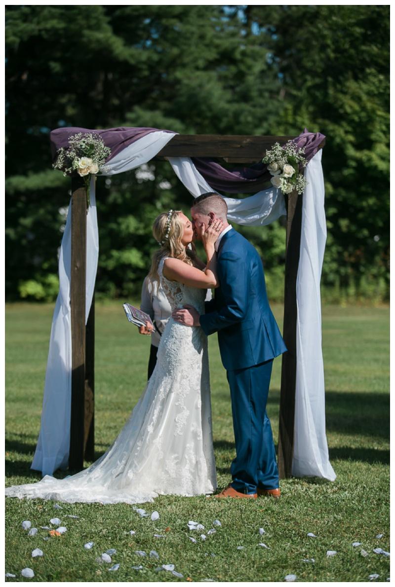 Kate-Alison-Photography-New-Hampshire-Barn-Wedding_0021.jpg