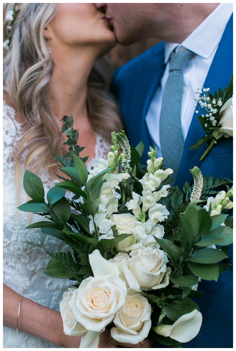 Kate-Alison-Photography-New-Hampshire-Barn-Wedding_0028.jpg
