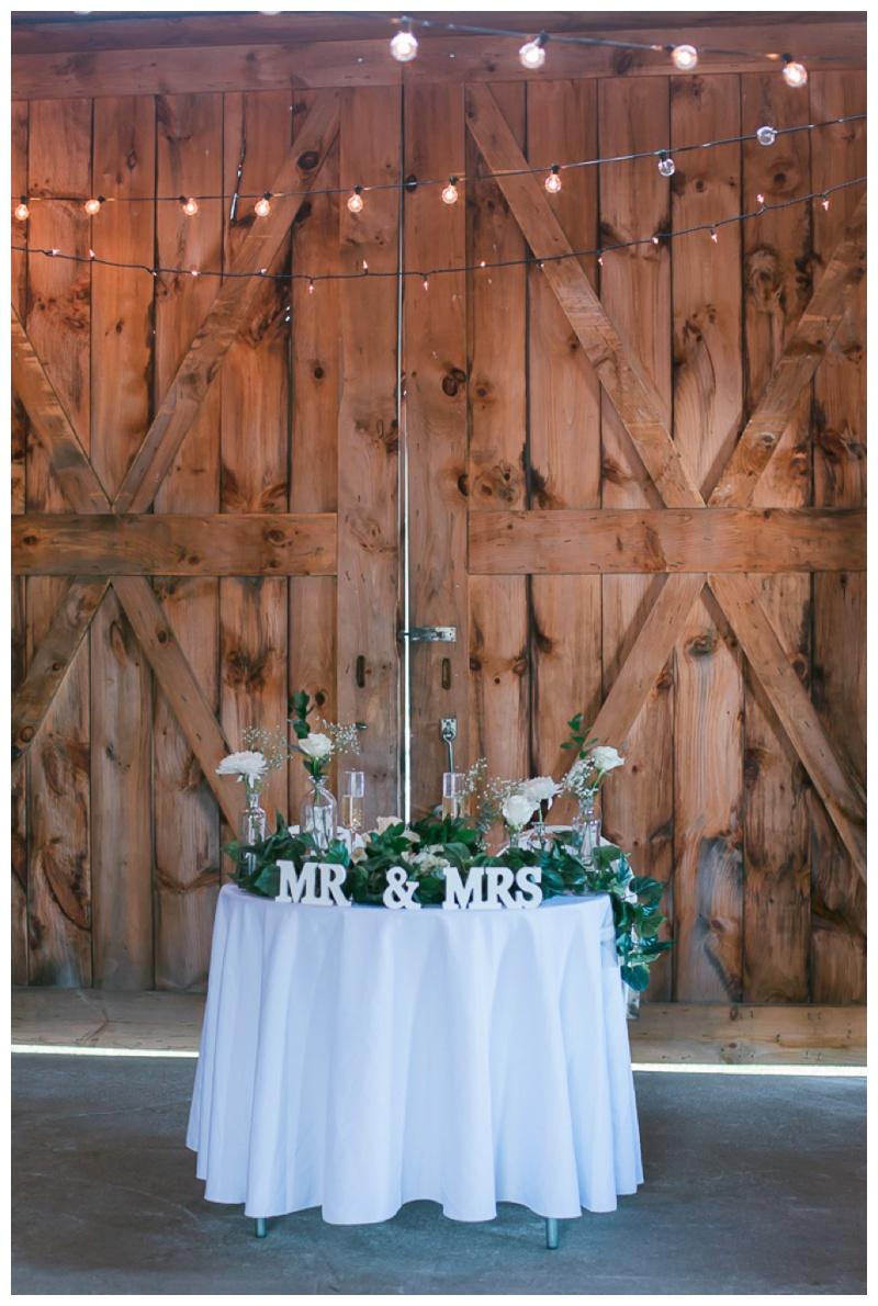 Kate-Alison-Photography-New-Hampshire-Barn-Wedding_0029.jpg
