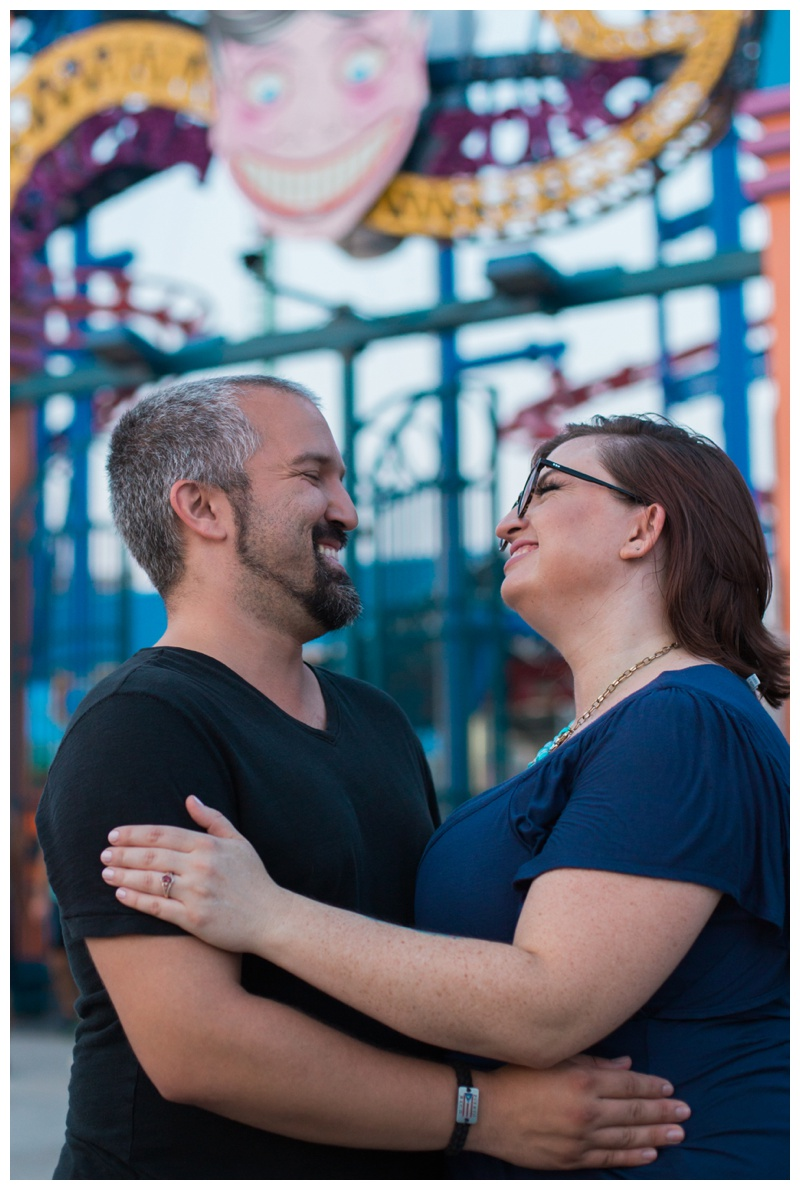 Kate-Alison-Photography-Coney-Island-Brooklyn-Engagement-Session_0004.jpg