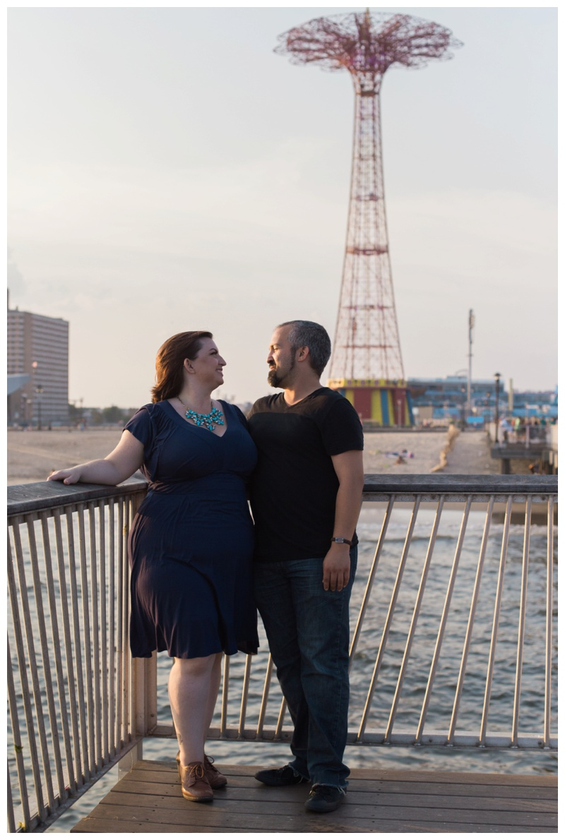 Kate-Alison-Photography-Coney-Island-Brooklyn-Engagement-Session_0012.jpg