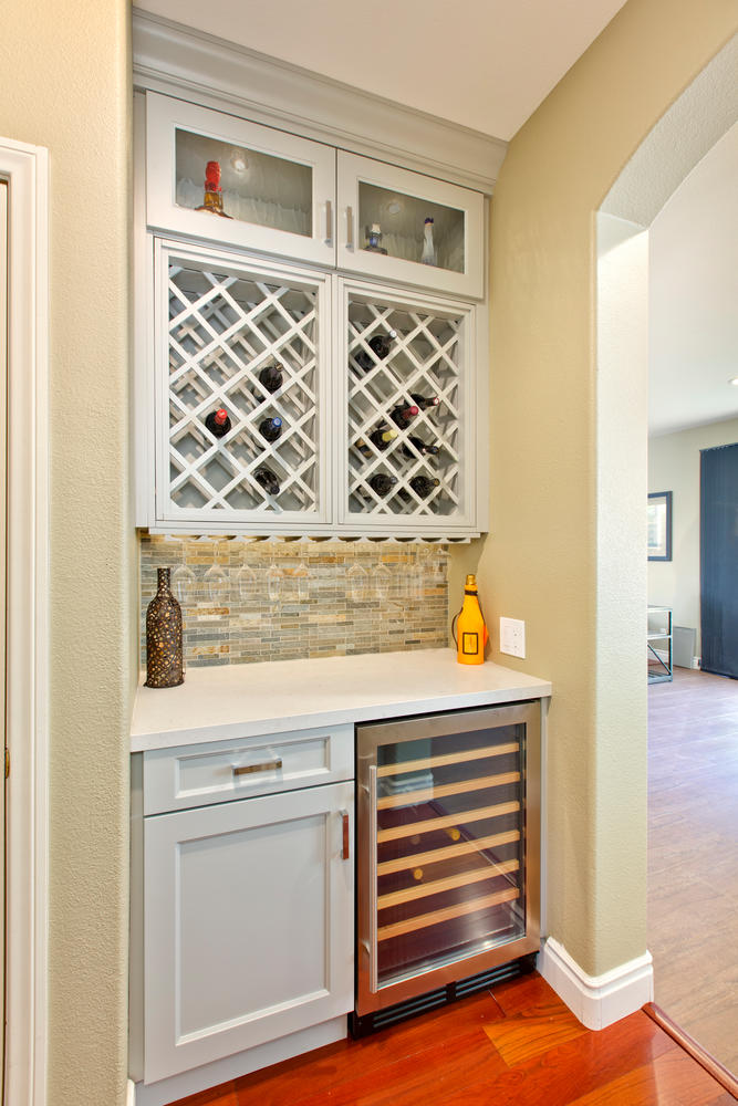 3729 Saddle Dr Carlsbad CA-large-021-3-3729 Saddle Drive KITCHEN-667x1000-72dpi.jpg