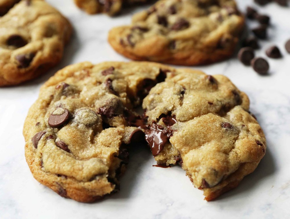 THE BEST CHOCOLATE CHIP COOKIES YOU WILL EVER EAT -
