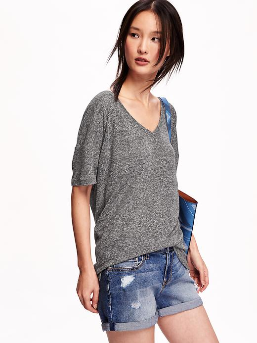 Old Navy linen blend low neck tees, perfect for summer. Light weight with a nice airy texture to the fabric.