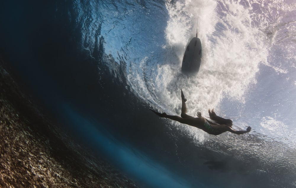 surfer and model pipeline - matt porteous