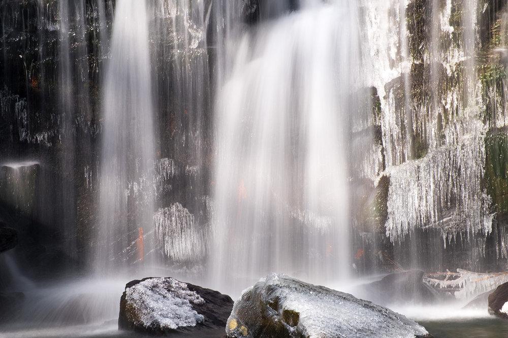 Cwm Du Waterfall.jpg