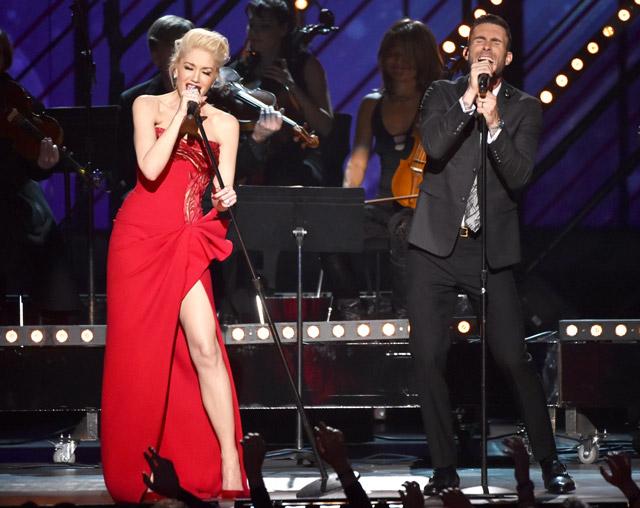 Gwen Stefani Adam Levine Grammys