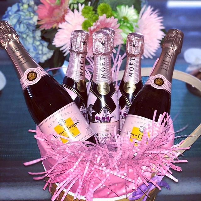 This is our kind of Easter basket too @mrsheathermarie613. 🐰🍾🥂We hope everyone had a happy Easter today. #happyeaster #champsandqueso #roseallday #moet