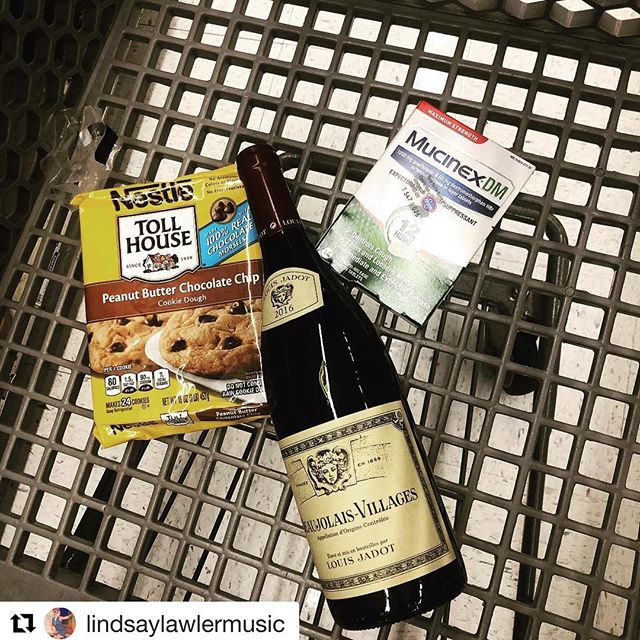 This is how we Friday over at #champsandqueso 🍪🍷🤧 —- #Repost @lindsaylawlermusic  Hey #Friday night...don't threaten me with a good time.