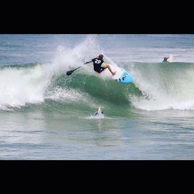 Team Carbonerro South Africa 🔘 Thomas King ripping his way into 1st Place at the Signature Summer Games. Photo: Anne-Marie Steyn Frick @tomkingsurf_tksup @corebansupgear #sup #paddlesurf #paddle #supsurf #stand_up_paddle #standuppaddle #surf #southafrica #waves #paddlelife