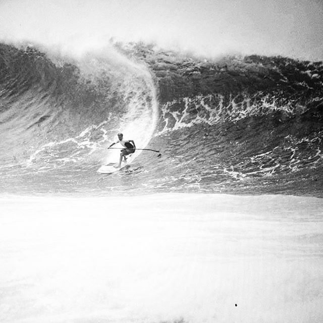 Team Rider 🔘 Robin Johnston charging Pipe! @rjsurfboards #sup #paddlesurf #paddleboarding #standuppaddle #stand_up_paddle #pipeline #northshore #surf #surfing