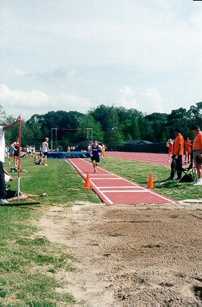 grizzly_track2001_micah2.jpg