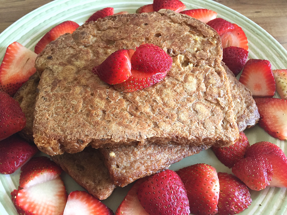 Vegan French toast with strawberries