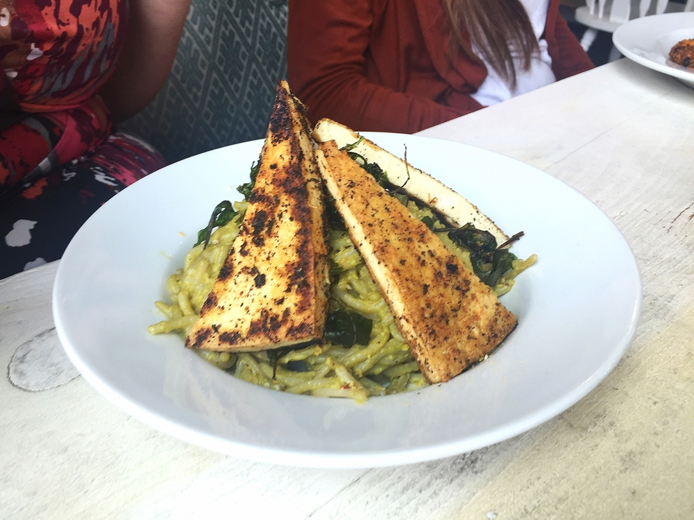 Vegan arugula pesto linguine