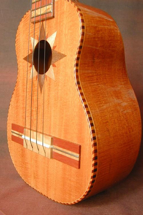 Guitarrone 03-web.png
