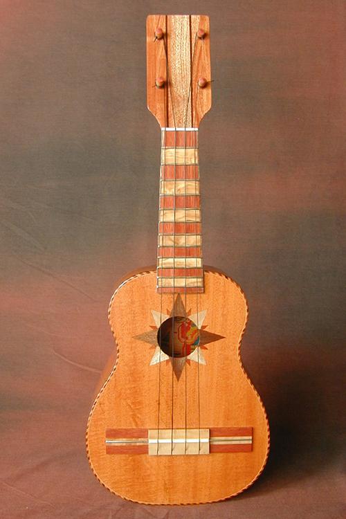Guitarrone 04-web.png