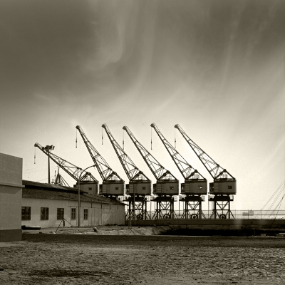 Luís Barreira  Docas do Porto de Lisboa, 1982  fotografia  Gelatin-Silver Print   24x30 cm