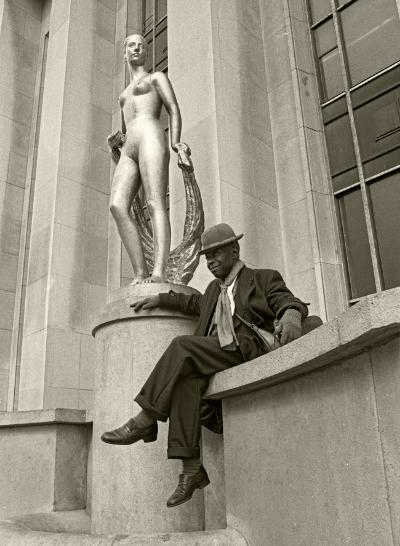 Luís Barreira Paris, 1989 Fotografia Gelatin Silver print série: street photography arquivo:F_062_5950, 1989