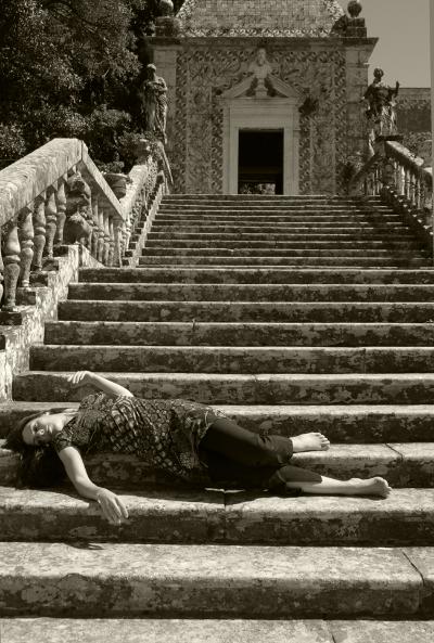 Luís Barreira  Catarina Câmara (Bailarina) no Palácio Marquês da Fronteira, Lisboa, 2007  Fotografia