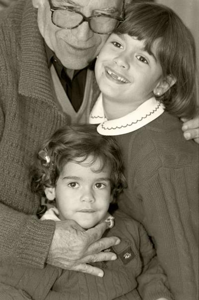 Luís Barreira  Avô e netas, 1997  Fotografia  Gelatin Silver print  Série: Album