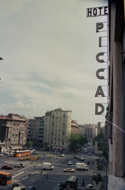 Luís Barreira  Hotel Piccaddily - Roma  Fotografia  Gelatin Silver print  Série: ROMA'90