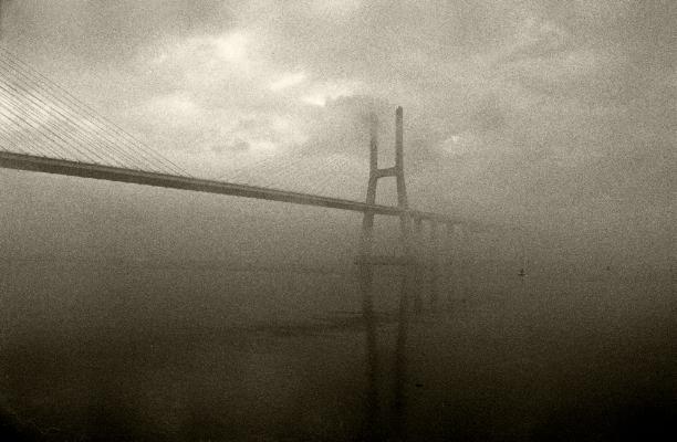 Luís Barreira  Ponte Vasco da Gama / Vasco da Gama Bridge, 2000  Fotografia  Gelatin Silver print  Série:  Ponte Vasco da Gama