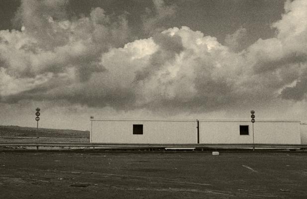 Luís Barreira paisagem com contentores, 1999 Fotografia Gelatin Silver print