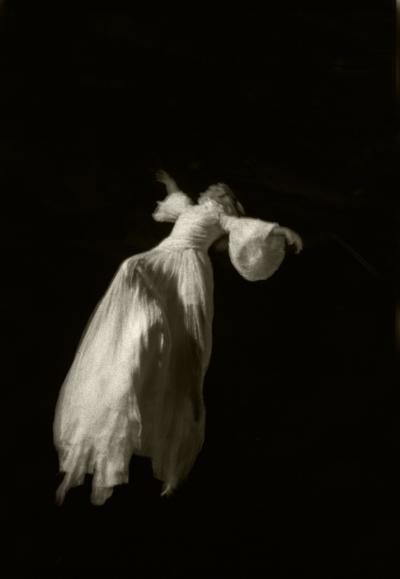 Luís Barreira  psique -  sopro de vida , 1999  Fotografia  Gelatin Silver print  Série:   La Femme