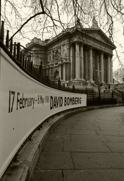 Luís Barreira  Tate Galleries, 1988  David Bomberg exhibition  Fotografia  Gelatin Silver print