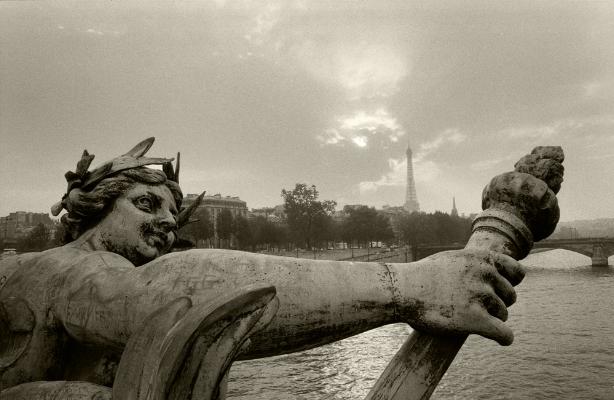 Luís Barreira Ninfa do Neva* Paris, 1989 Fotografia Gelatin Silver print arquivo:F_064_6020, 1989