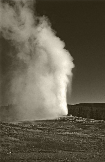 Luís Barreira   old faithful , yellowstone, 2002  Fotografia