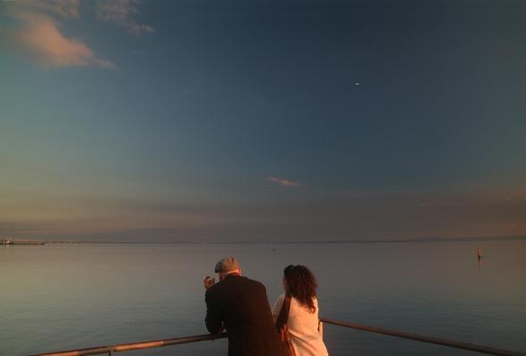 """Luís Barreira  """"casal"""", Tejo, 2016  Fotografia  Série:   no parque    arquivo:11_28_IMG_4155, 2016"""