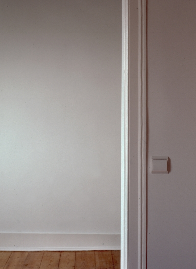 Luís Barreira the door open, 2005 fotografia Gelatin Silver print Série: leave the door open arquivo: F_532_20286, 2005