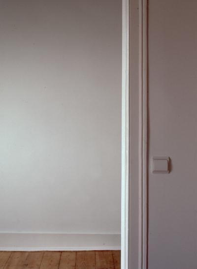 Luís Barreira the door open, 2005 fotografia Gelatin Silver print Série: leave the door open arquivo:F_532_20286, 2005