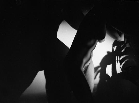 Luís Barreira  Corpo e sombras, 1990  Fotografia  Gelatin Silver print  arquivo:F_377_6972, 1990