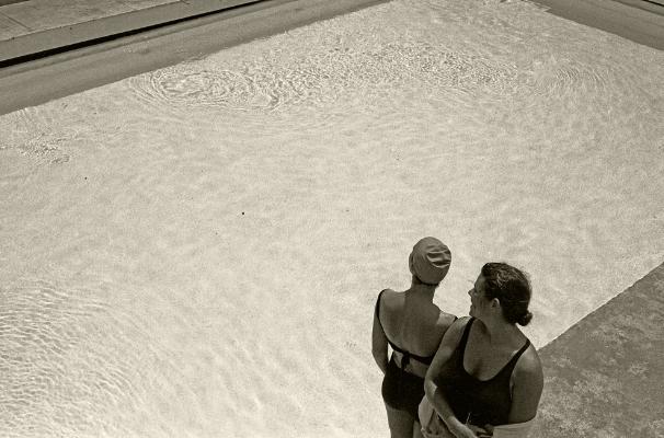 Luís Barreira  Diane Gazeau & Rosa, Lisboa, 1991  Fotografia  Gelatin Silver print  Série:  arquivo:F_112_9320, 1991