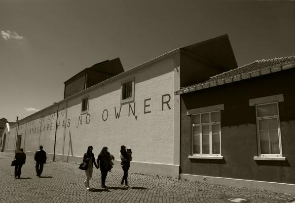 """Luís Barreira """"Landscape has no owner"""" Belém, Lisboa Fotografia Série: Lisboa arquivo:05_0049, 2012"""