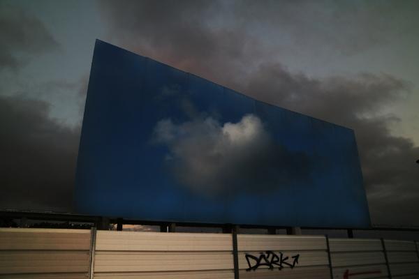 Luís Barreira  Sky is blue, 2017  Fotografia  série: empty space  arquivo:01_5552_cloud, 2017